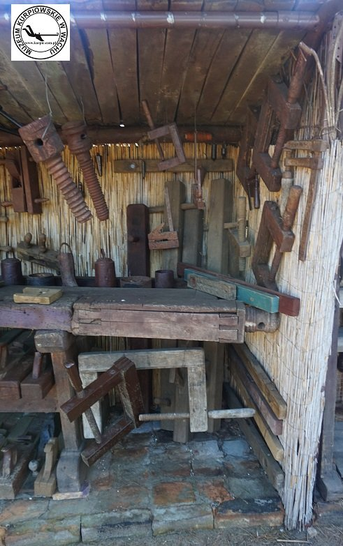 Śruby drewniane, ściski stolarskie, strugi, piony i poziomnice - warserwagi