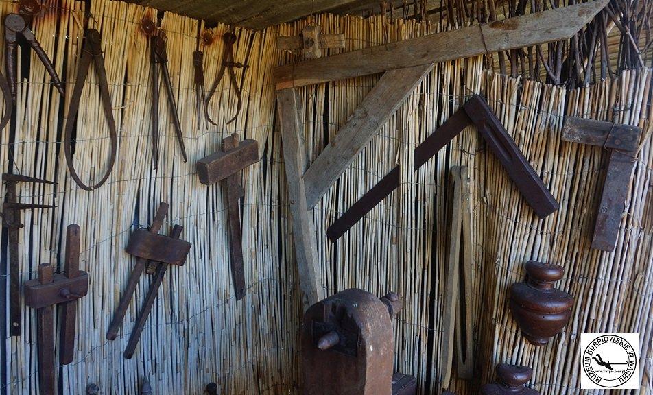 Cyrkle, znaczniki stolarskie, sufniarka i weglownice