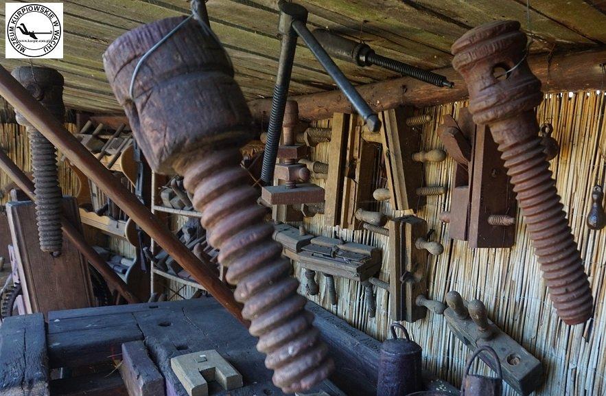 Śruby drewniane