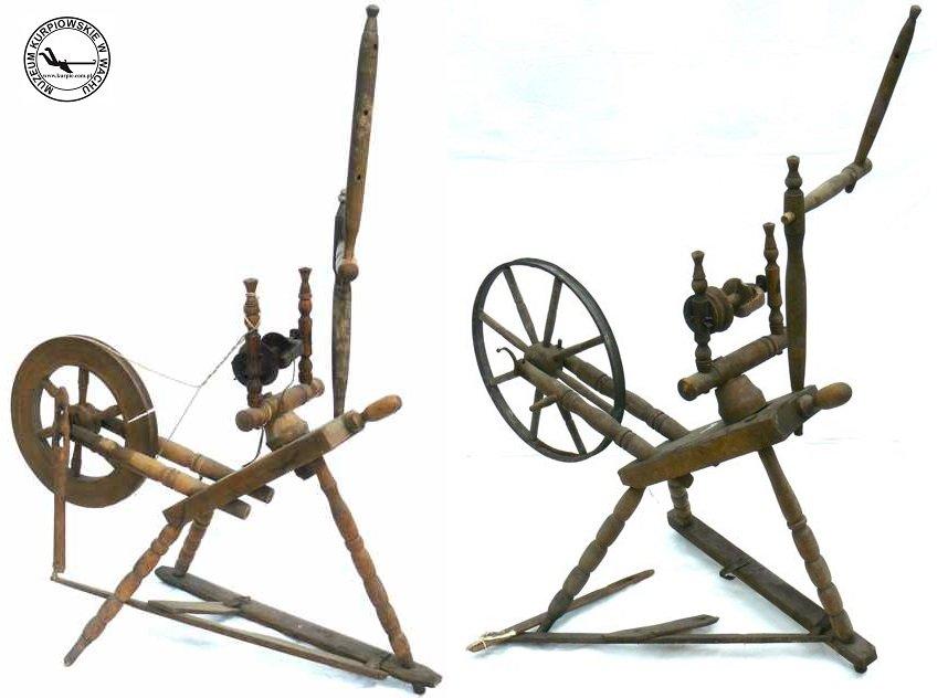 Kołka - kołowrotki tkackie Muzeum Kurpiowskie w Wachu
