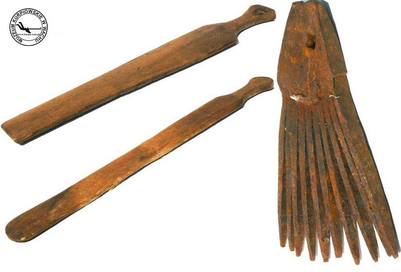 Klepadło i grzebień do lnu Muzeum Kurpiowskie w Wachu