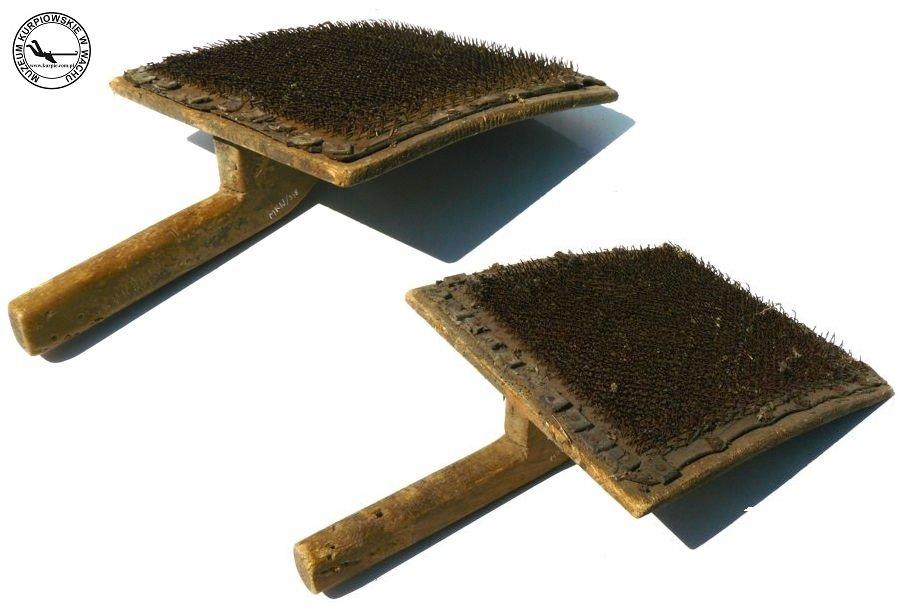 Szczotki do cazgania wełny Muzeum Kurpiowskie w Wachu