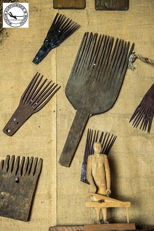 Grzebienie do obrywania nasion lnianych Muzeum Kurpiowskie w Wachu